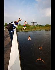Jump (DolliaSH) Tags: holland nederland wideangle ultrawide 1022mm kinderdijk canoneos50d dollia dollias sheombar