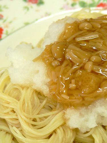 大根おろしとなめたけの冷製スパゲティ