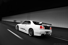 Nissan Skyline R34 GTT (Jeroen Buitenhuis) Tags: car japan skyline canon eos for tokyo photo jeroen nissan shot photographers fast tunnel s automotive run turbo r and 17 gt 85 ef rolling hire furious drift gtr the r34 gtt 50d buitenhuis 2f2f raceminded wwwracemindedcom 28augustus2009