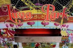 """Luna Park"""