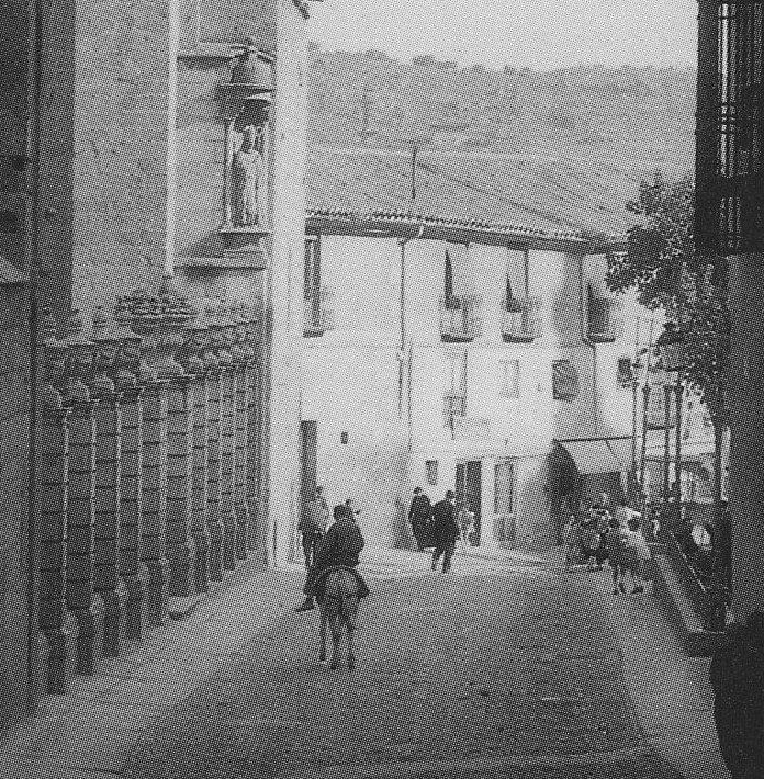 Fachada del edificio que hoy ocupa la Audiencia. Foto de Loty (detalle) a principios del siglo XX.