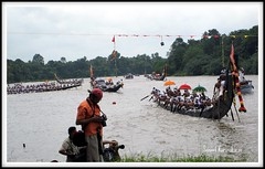 Aranmula Boatrace - Finishing line (SANAND K) Tags: decorations india sports festival umbrella river boat photographers kerala rowing boatrace pamba aranmula finishingline pathanamthitta vallamkali palliyodam sanandkarun uthrattathi sanandkarunakaran