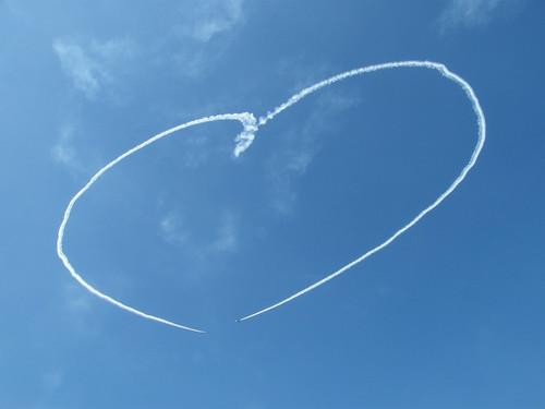 フリー画像|人工風景|飛行機雲|ハート|空の風景|青色/ブルー|フリー素材|