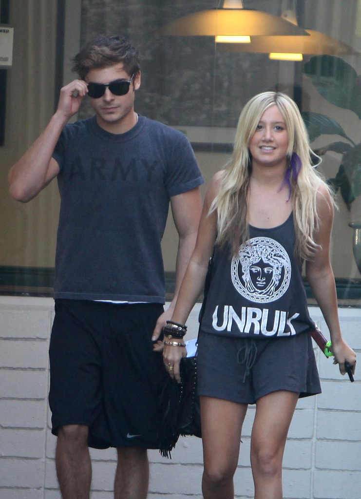 zac-efron-ashley-tisdale-patys-date-2