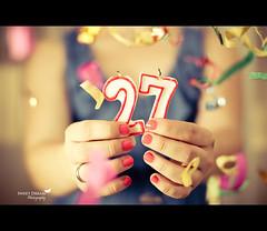 27th Birthday (Sweet Dream  Photography) Tags: birthday vintage hands nikon candle bokeh manos explore nails sweetdream vela frontpage cumpleaos uas d60 confeti strobist