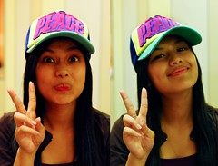two peace (jobarracuda) Tags: portrait pinay filipina peacesign truckerhat inah baseballcap filipinabeauty shekky pinaybeauty jobarracuda jojopensica pensica inahpensica shekinahgracepensica