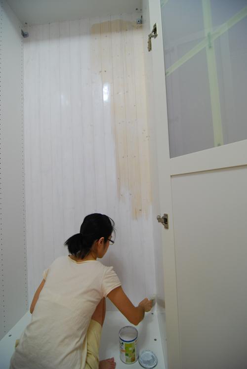 pax15櫃框內上第二道漆