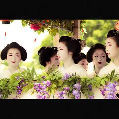 2008  Gion Matsuri 2008: Parade of Hanagasa (Masahiro Makino) Tags: girl japan digital photoshop kyoto olympus maiko adobe   kimono 70300mm zuiko lightroom e500 f456  20080724102708e500ls640p