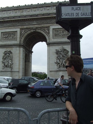Arc de Triomphe / traffic