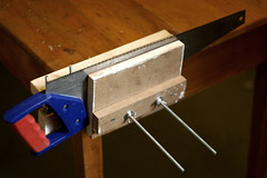Wooden vice - sharpening saw