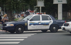 Middletown PD, Delaware (10-42Adam) Tags: dog ford liberty cops police canine tint spotlight led cop parked delaware middletown officer patrol k9 unit crownvictoria marked whelen crownvic lightbar stayback cvpi middletowndelaware middletownpolice
