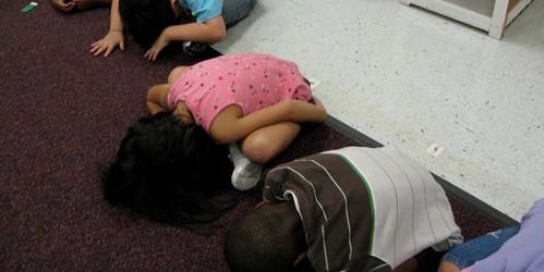 Kinder-is-shrinkingon-magic-carpet