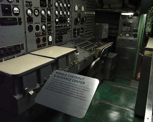 uss growler 〜missile checkout&guidance center