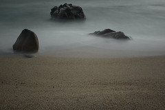 Le trio (Mathieu Calvet) Tags: longexposure sea mer france beach rock landscape sand pentax corse sable wave 24mm paysage vague plage rocher ndfilter poselongue sigma24mmf18 olmeto k10d pentaxk10d bw110 justpentax