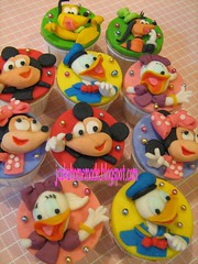Mickey Mouse Clubhouse Theme (Jcakehomemade) Tags: cartoon mickeymouse minniemouse donaldduck cuppies daisyduck disneycharacter googypluto caketoppercupcakes