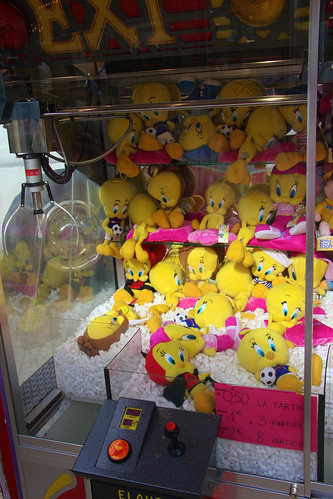 Worst. Claw game. Ever.