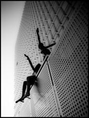 Brussels building (mgarsan) Tags: brussels building blackwhite edificio bruxelles olympus bn bruselas zuiko e510 uro 1454mm