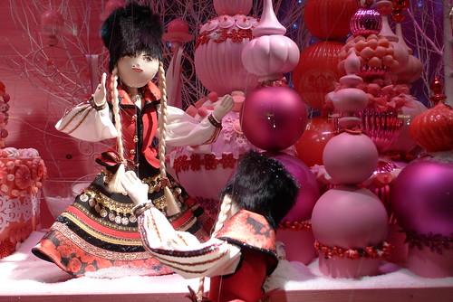Vitrines de Noël 2009- Printemps - Poupées Dior