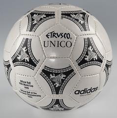 Balón Mundial futbol 1990 Etrusco Unico