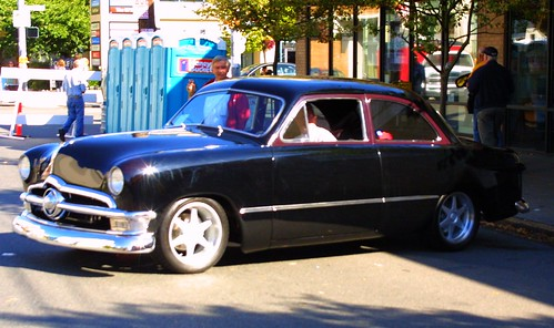 "1951 ford shoebox lowered 8""in"