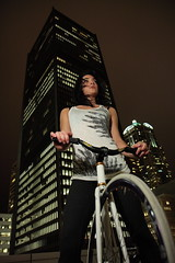 (Ray Tracing) Tags: seattle night bikes fixedgear darkdays canon40d canon580exii