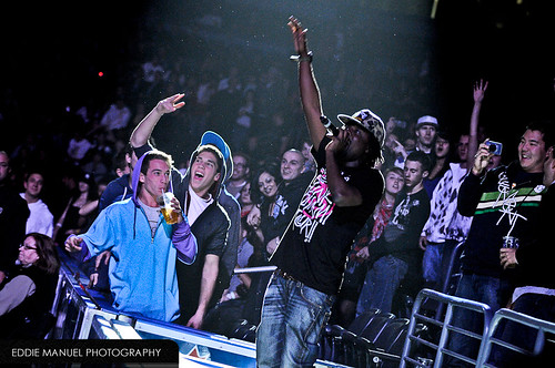 Wale rocking with the crowd