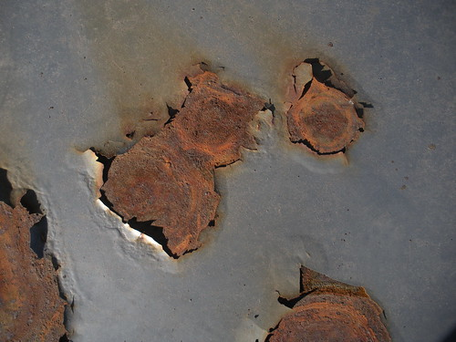 Profile in rusty metal lid         1 by 7603557@N08 photoshop resource collected by psd-dude.com from flickr
