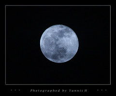 First Moon of 2010 (Yannis_H) Tags: night lunar bluemoon 2010