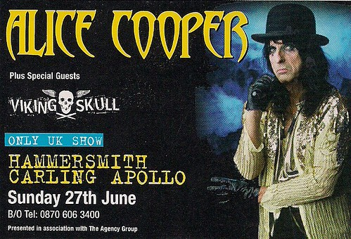 06-27-04 Alice Cooper/Viking Skull @ London, England