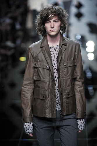 George Craig316_SS10_Burberry Prorsum(first VIEW)