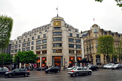 Louis Vuitton Paris.