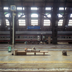 Rolleiflex 0304 (ukaaa) Tags: windows sleeping italy man milan 120 6x6 tlr film station analog train bench square italia julie fuji milano c platform passengers fujifilm medium mf analogue canoscan centrale twinlensreflex fujicolor sekonic l308s rolleiflex35e 8800f pro400