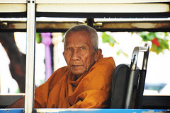 monk(large) (sart68) Tags: orange bus yellow thailand bangkok buddha buddhist monk geel oranje monnik boeddha boeddhist
