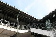 v ~ \ (Hlder Cotrim) Tags: portugal galeria olympus mercado porto telhado portogallo bolho