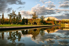 serenity in autumn-Altnpark (NURAY YUZBASI) Tags: autumn cloud reflection green nature pool turkey bravo autumncolours serenity 1855mm ankara 2009 huzur bulut yansma havuz sonbahar altnpark canonrebelxti skunet sakinlik dinginlik trkibloklar 100commentgroup berraklk patensaray