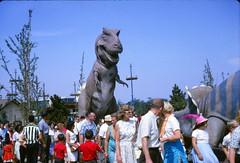1964-21 (kmsYES) Tags: newyork film vintage dinosaur kodak kodachrome trex worldsfair 1964 newyorkworldsfair canoscan8800f