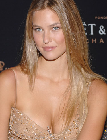 Supermodel-Bar Refaeli