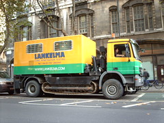 Lankelma truck with caterpillar tracks (hugovk) Tags: road street camera uk greatbritain autumn england london digital truck october with traffic cone unitedkingdom britain tracks row testing caterpillar holborn gb southampton hvk penetration 2009 britannia syksy lontoo isobritannia southamptonrow lokakuu englanti hugovk exif:ISO_Speed=100 exif:Focal_Length=77mm digitalcamerads5mp conepenetrationtesting exif:Flash=offdidnotfire exif:Exposure=16 conepenetrationtest boxskipper imag0245 lankelma conepenetration exif:Aperture=30 exif:Orientation=horizontalnormal exif:Exposure_Bias=0 ds5mp camera:Model=ds5mp camera:Make=digitalcamera meta:exif=1364122807 lankelmatruckwithcaterpillartracks