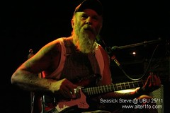 Seasick Steve @ UBU 04 (alter1fo) Tags: concert bluegrass gig blues atm 2009 rennes ubu seasicksteve alter1focom marcloret