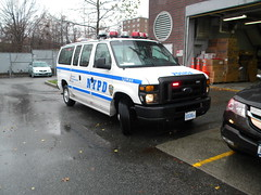 NYPD RMP - 2008 Ford E-250 - 107th Precinct (SpottingWithTom) Tags: new ford car hp gm lot nypd led cop vehicle law enforcement van 2008 107 107th precinct e250