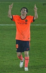 Messi, Thanks God. (menosultra) Tags: eric abudhabi  prays messi barcelonas   abidal