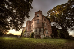 AbanDonEd psycHiatriC hOsPital c  :: (andre govia.) Tags: sunset usa house ny building abandoned strange buildings hospital insane woods decay ghost best andre haunted creepy spooky explore horror ghosts mad sanatorium asylum derelict psychiatric ue urbex asylums criminally insain sanatoriums govia