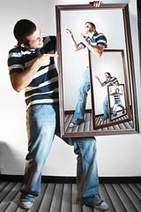 Atrapado y Molesto 2 (Sannder) Tags: autoretrato clones selftportrait