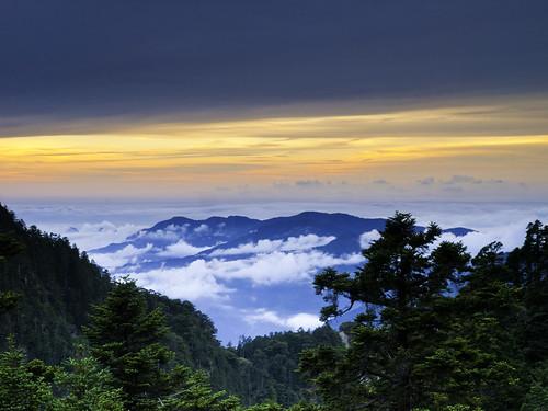 Sunset Viewed from Paiyun Lodge 排雲山莊晚霞