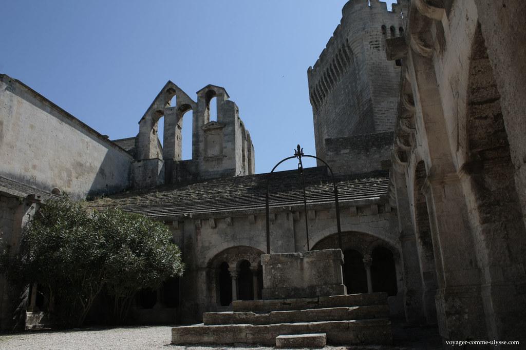 Nota-se a Torre Pons de l'Orme
