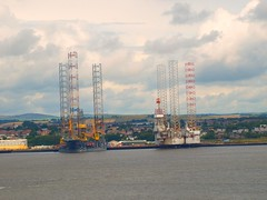 Oil Rigs (B4bees) Tags: river dundee floating tay northsea repairs rigs drilling olympuse510 brianforbes couriercountry