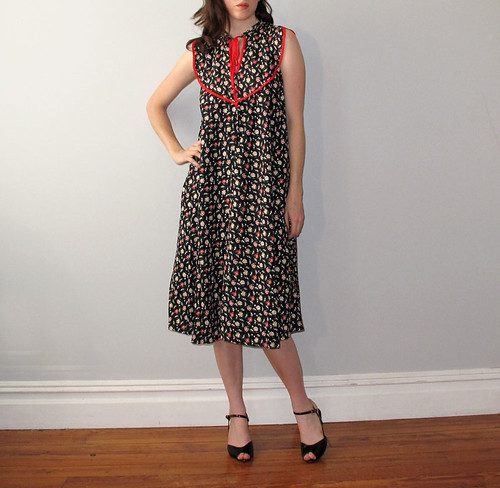 vtg black and red dress