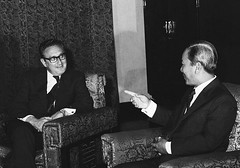 BE052476 (manhhai) Tags: 2 people men asia southeastasia vietnamese sitting asians president gesturing vietnam americans males prominentpersons government leader pointing adults saigon hochiminhcity diplomacy advisor henrykissinger southvietnam southeastasians headofstate governmentofficial politicalleader republicofvietnam presidentialadvisor independencepalace southeastregion nguyenvanthieu nationalsecuritycounciladvisers