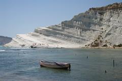 Scala dei Turchi (belgobreizh) Tags: vacances juin falaise plage 2009 sicilia barque calcaire sicile realmonte scaladeiturchi