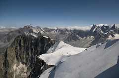 French & Swiss Alps (Paul Sivyer) Tags: alps paul chamonix montblanc climbers frenchalps aiguilledumidi valleeblanche alpinists aiguilleverte snowridge wildwales sivyer grandejorrass deantdgeant